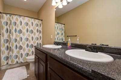 master bath, double sink, shower/tub